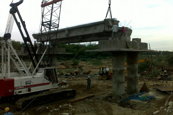 72.5 MT Link Belt LS 138 II - L&T ECC - Over Bridge - Kharagpur
